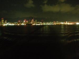 遠ざかる神戸港