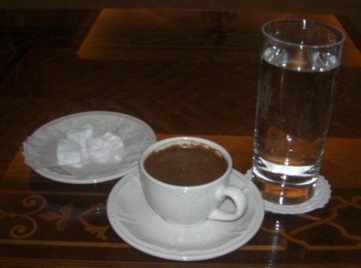 ギリシャコーヒーとお菓子
