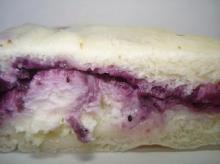 ブルーベリークリームチーズマフィン断面