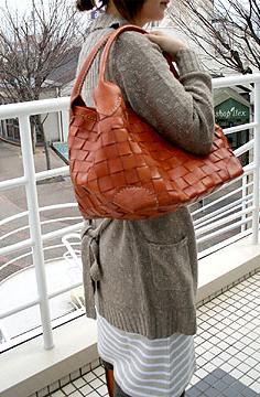 ロビタのバッグ
