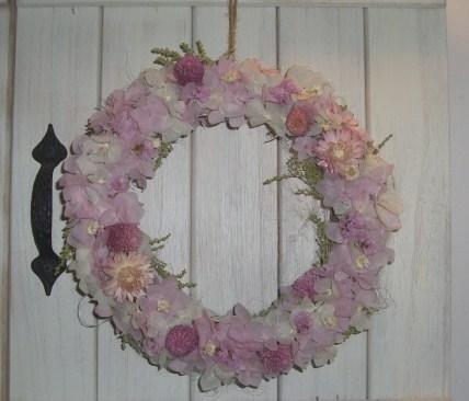 ピンクリース