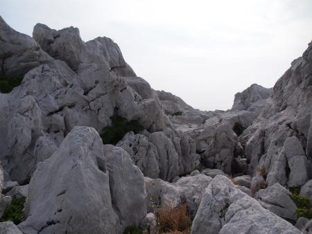 白い岩ばかり~