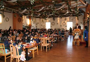 幼稚園ホールで行われた卒業を祝う会