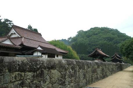 石塀のある風景