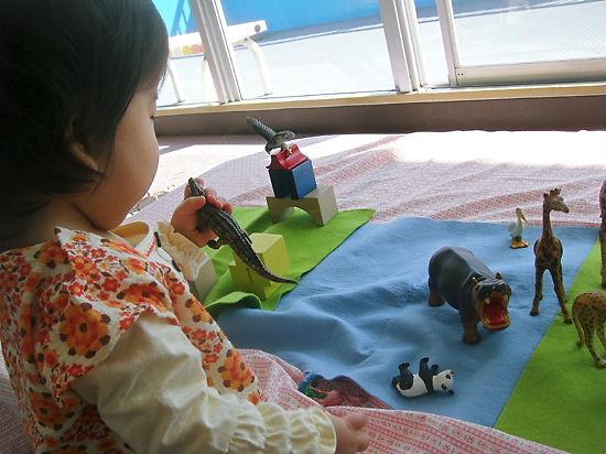 子育て支援センター 動物で遊んでまちゅ