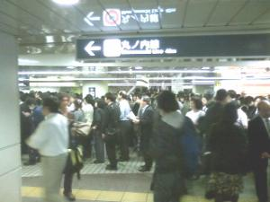 10.8台風で新宿駅混雑