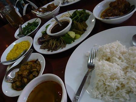 ヤンゴン - 高田馬場/東南アジア料理(その他) [食 …