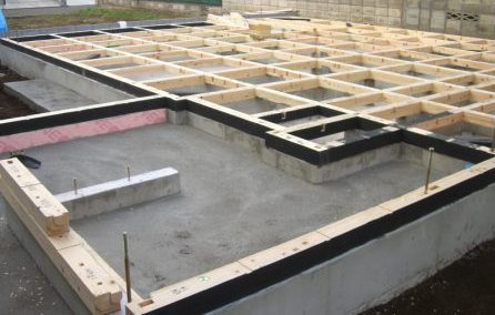 木工事 土台敷き