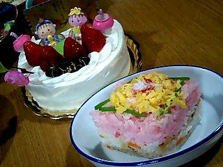 ケーキと菱餅風ちらし寿司♪