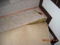 カーペットを剥がした階段