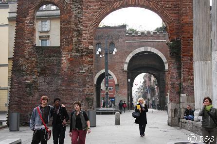 円柱の門4