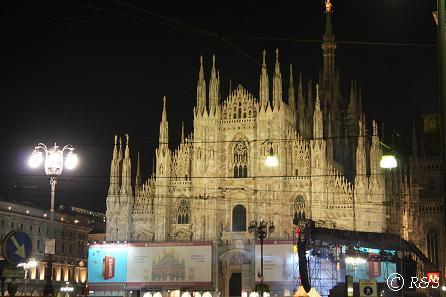 ドゥオーモ大聖堂夜景1