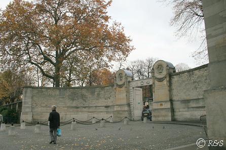 ペール・ラシェーズ墓地中央入り口3