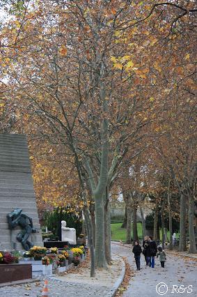 ペール・ラシェーズ墓地南入り口から5