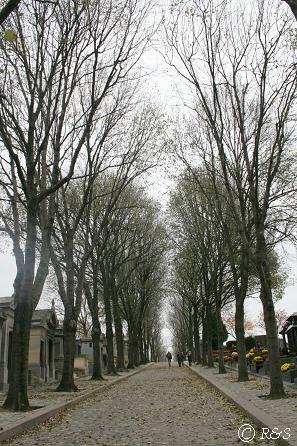 ペール・ラシェーズ墓地南入り口から6