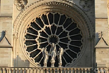 バラ窓の階