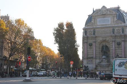 サン・ミッシェル広場