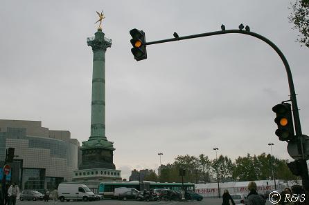 アンティーク市のバスティーユ記念塔2