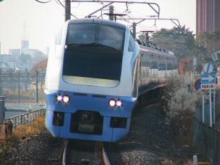 train p 02