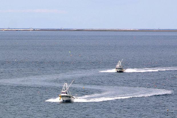 サロマ湖の漁船2