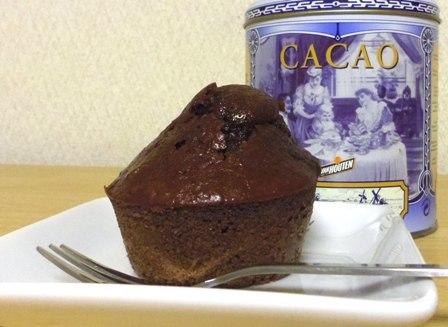 例のマフィン型でココアケーキ・・・