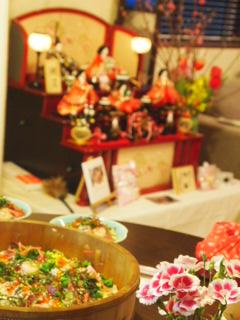 チラシ寿司とお雛様。