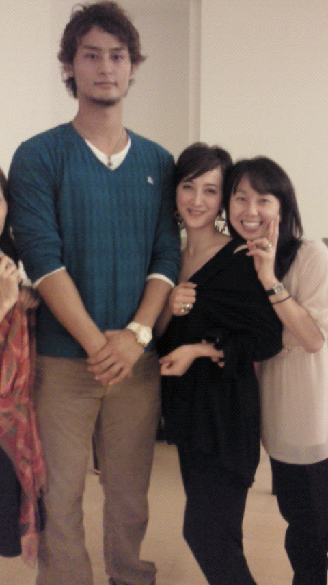欧、米、韓ではマッチョな男しかモテない。なぜ日本の女はナヨナヨ男を好むのか。