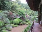 庭の奥には茶室が