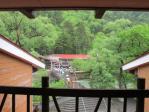 談話室から河童橋を見る
