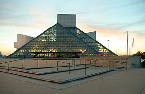 300px-Rock-and-roll-hall-of-fame-sunset.jpg