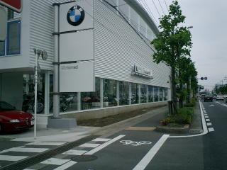 某BMWディーラー