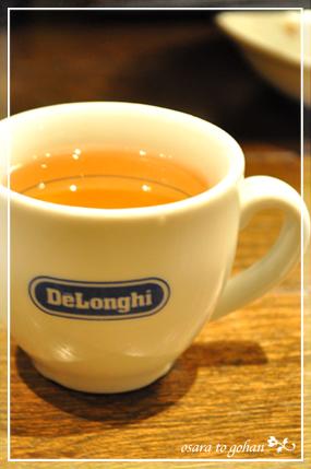 デロンギのカップで紅茶