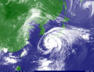 気象衛星 201107191200-00