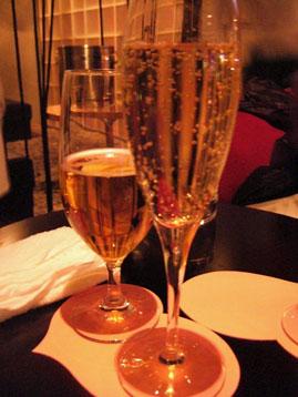 グラスも2個