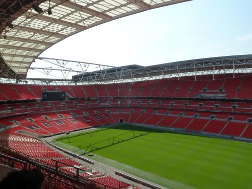 ウェンブリー・スタジアム スタンド convert_20110519233228