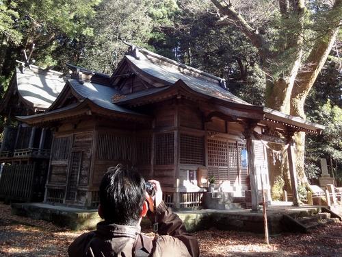 221205 八幡大神社18
