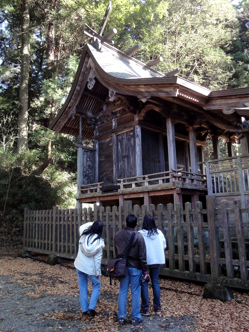 221205 八幡大神社19