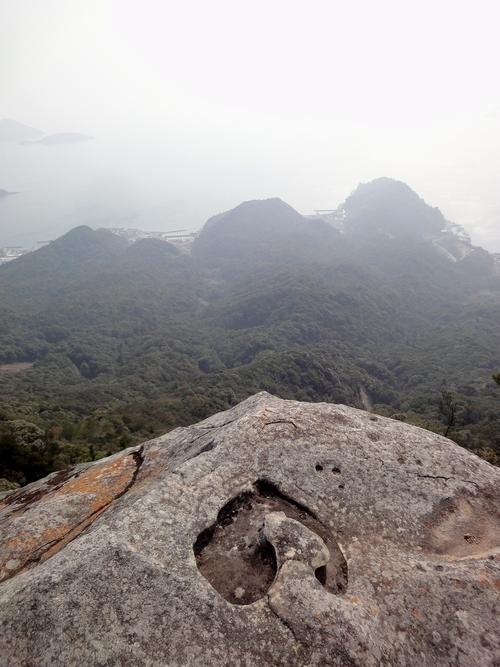 230205 ミューイハート岩1