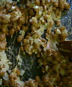貧民風納豆がマーボーにナットーデ9