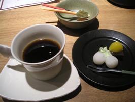 クーポン券のデザートとコーヒー