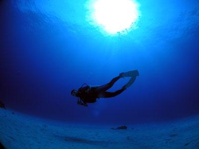 オブジャンビーチ 水中