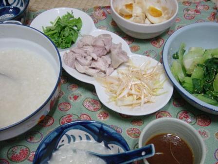 鶏がらスープで中華粥のランチ