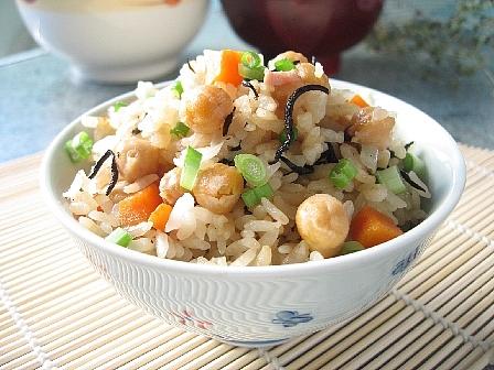 ひじきとひよこ豆の炊き込みご飯