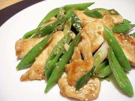 鶏肉とスナップエンドウのごまソース炒め