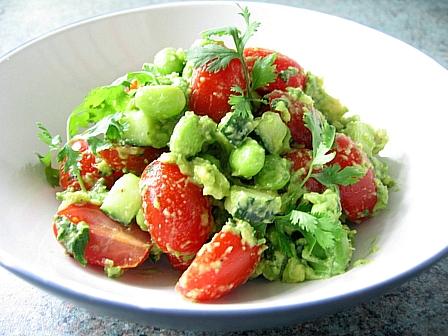 トマトと枝豆のワカモレサラダ