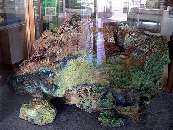 国内最大級の「酸化銅・鉛鉱石」-2