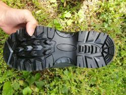 TB 靴裏