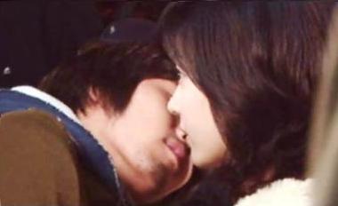 s-kiss2.jpg