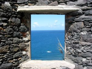 424179_stone_window.jpg