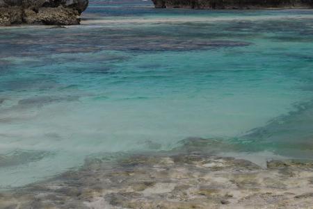 0420海の色